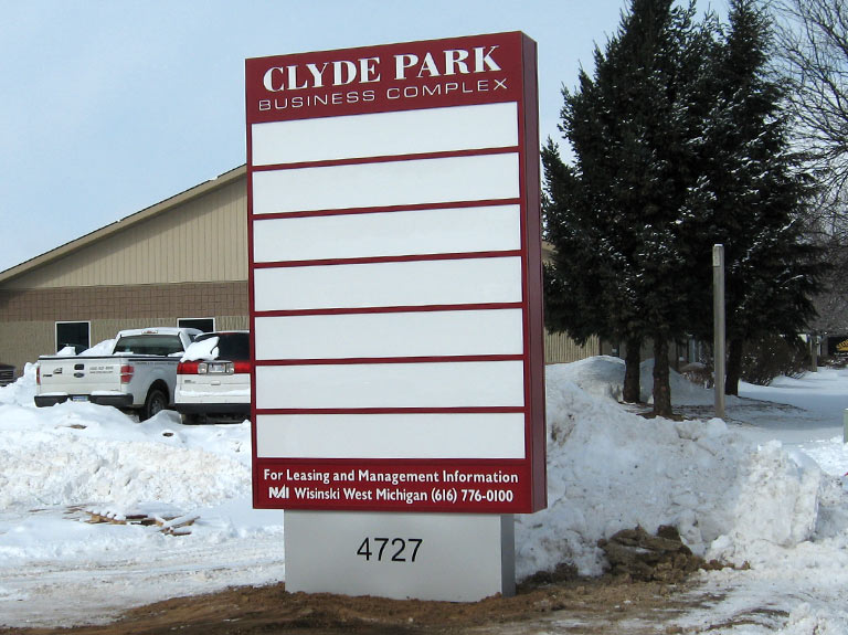 Multi-tenant monument/pylon sign in snowy yard