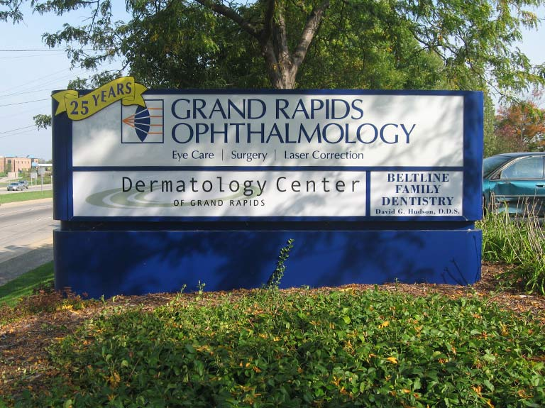 Grand rapids ophthalmology monument sign in yard
