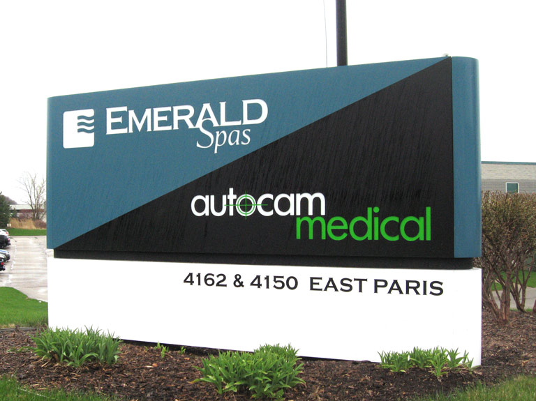 emerald spas and autocam medical sign in yard